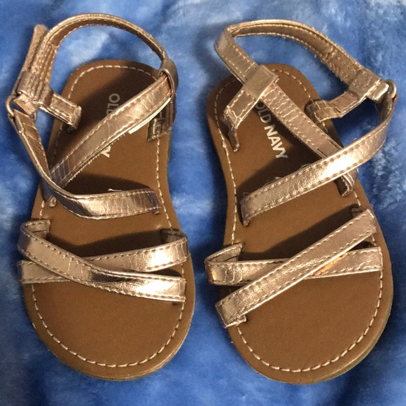 41af4c0f014 Rose gold baby girl sandals. M 5b579772c61777ea36135d26